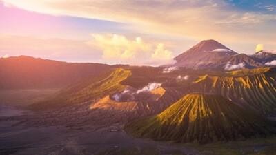 Day 2 : Sunrise at Mt. Penanjakan – Bromo crater – Bondowoso / Banyuwangi