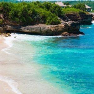 Dream beach at sunny day. Lembongan island