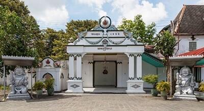 Day 4: Sultan Palace - Malioboro - Yogyakarta Airport