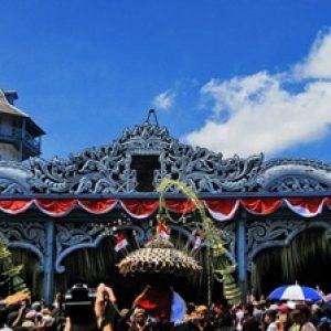 Grebeg_Maulud_of_Keraton_Surakarta